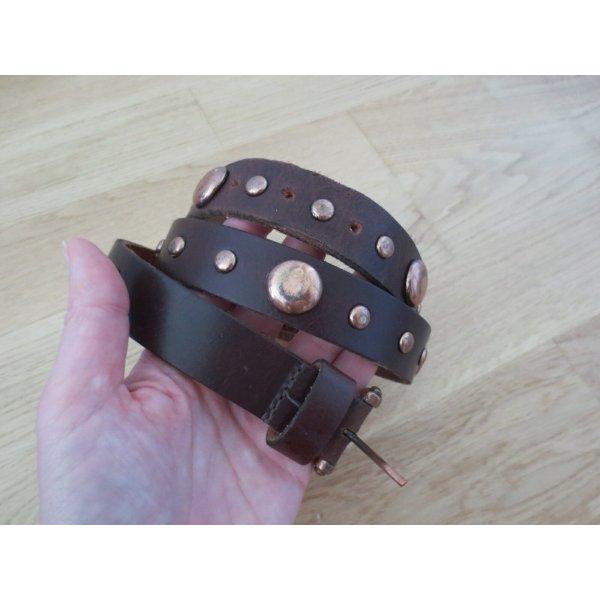 brauner Ledergürtel mit Nieten, Gr. 85 cm, nur 2x getragen, wie neu