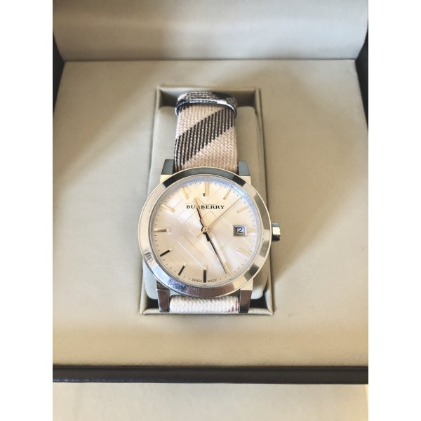 Burberry Classic Uhr