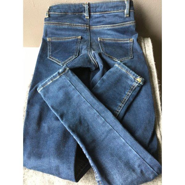 Calzedonia Jeans mit leichtem Push up Effekt am Po