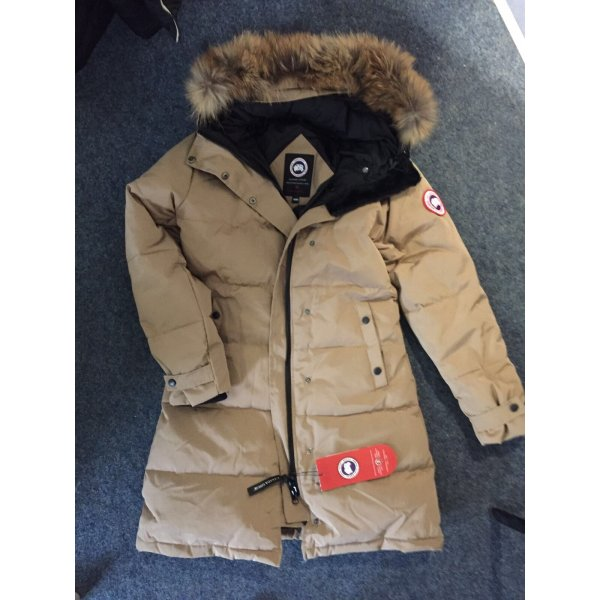 Canada Goose Parka in beige