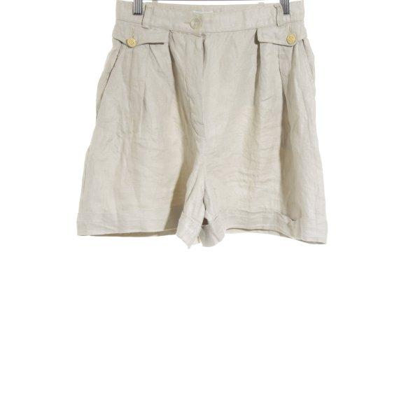 Chanel Shorts hellbeige Beach-Look