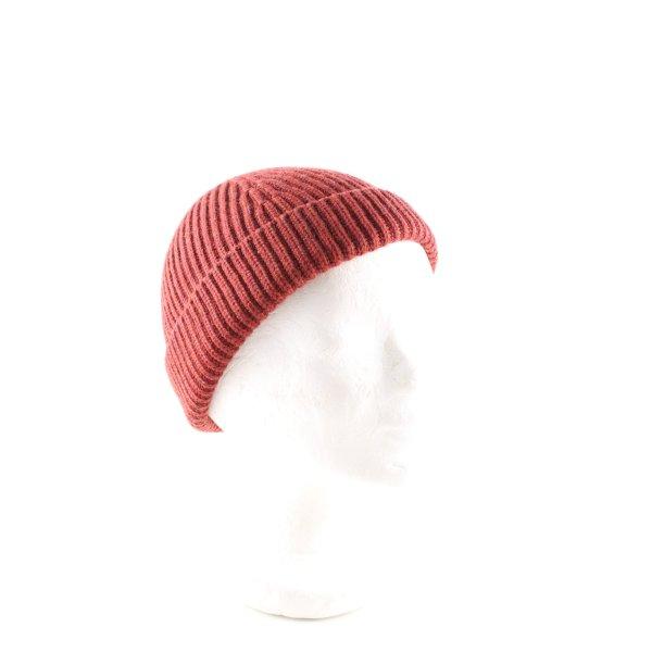 COS Strickmütze rot Casual-Look