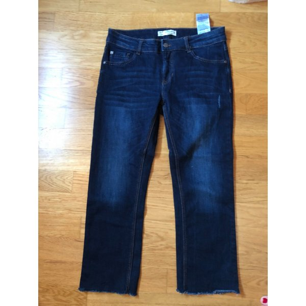 Cropped Straight Leg Jeans 38
