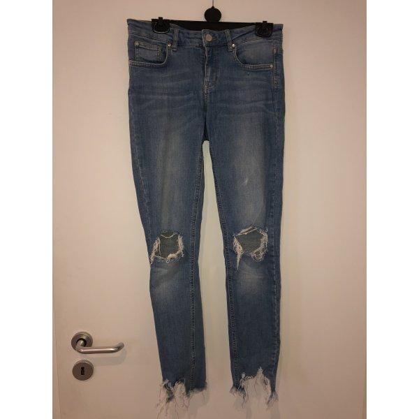 Cut Out Jeans