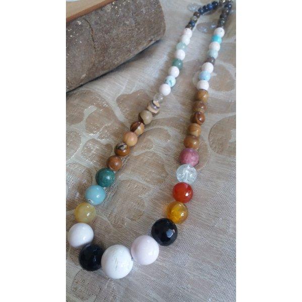Damen handgemachte Halskette mit Edelsteine.