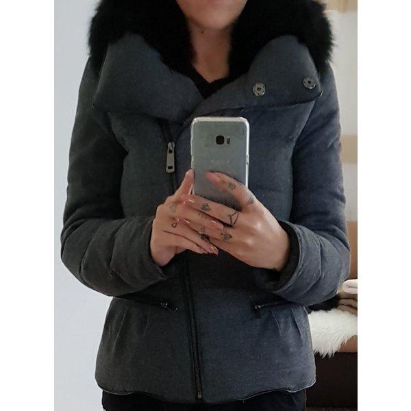 Zara Chaqueta de plumón gris oscuro