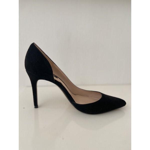 Ein Hingucker High Heels in schwarz Gr 37 Mango wie Neu
