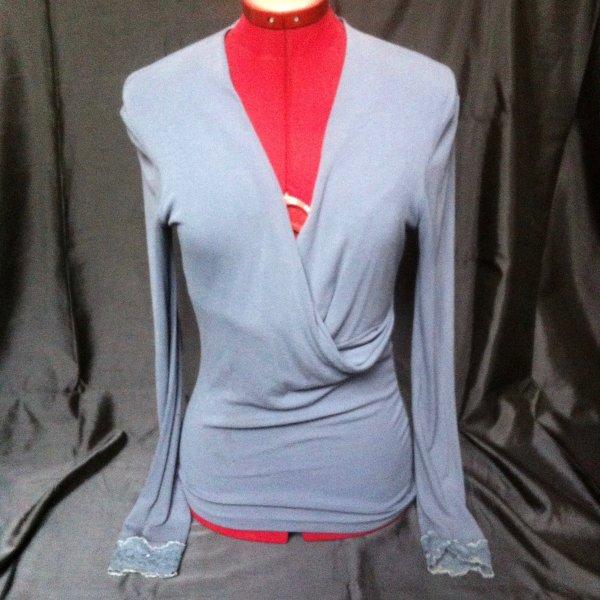 Eleganter SISLEY- Pullover mit Wasserfall- Ausschnitt