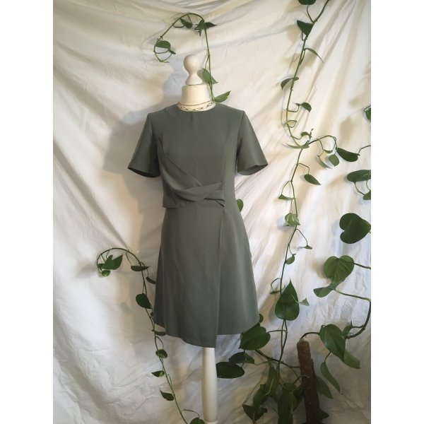 Elegantes Kleid (Gr. 36)