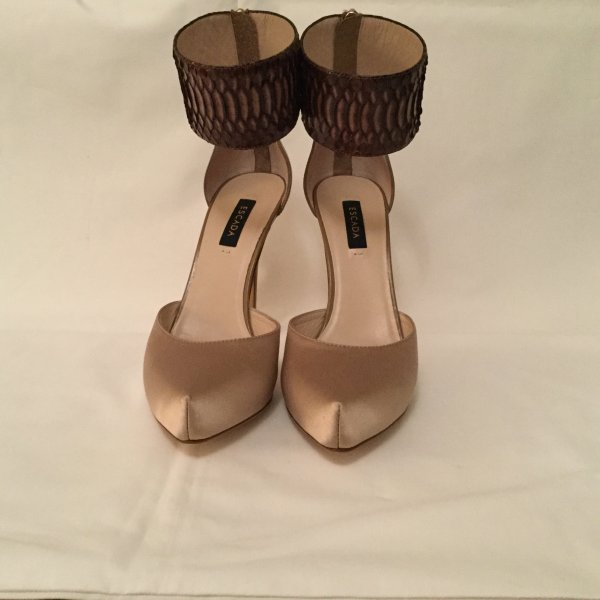 Escada Satin Pumps beige
