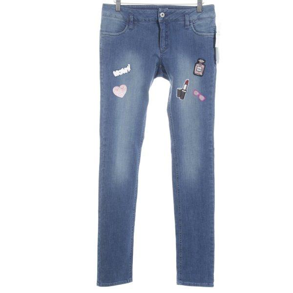 Eugen Klein Stretch Jeans kornblumenblau-rosé Street-Fashion-Look