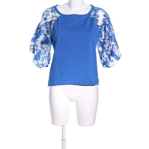Evaw Wave Cropped Shirt blau-weiß abstraktes Muster Business-Look