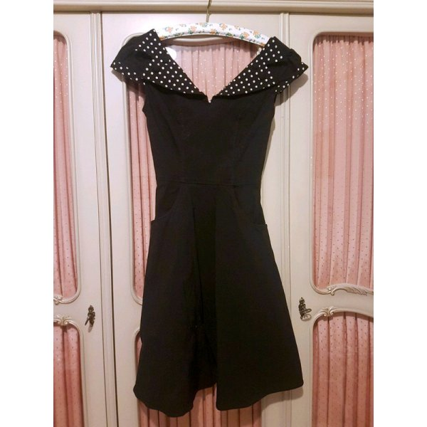 Evie Kleid in Schwarz mit Polkadot Details und Taschen