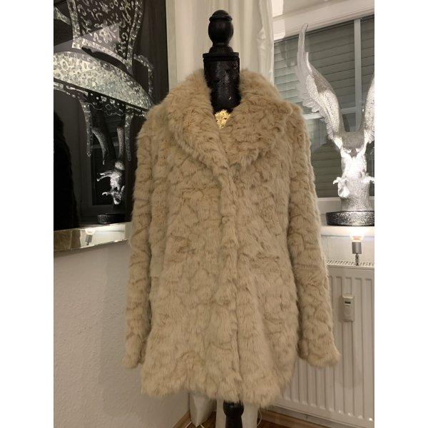 FakeFur Mantel von Zara