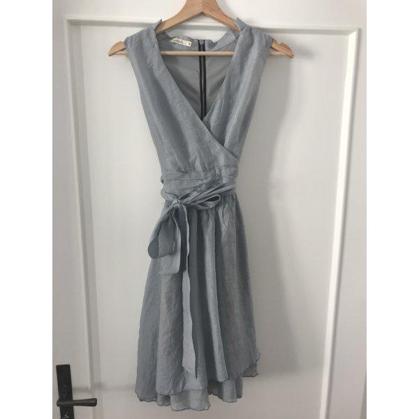 Festliches hellblaues Sommerkleid von Lavand
