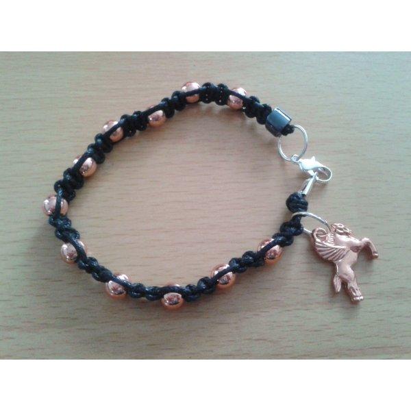 Geknüpftes Armband Mikrama schwarz rose-gold Pegasus Perlen
