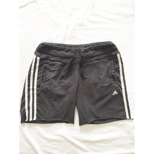 Graue Shorts von Adidas Climate Cotton