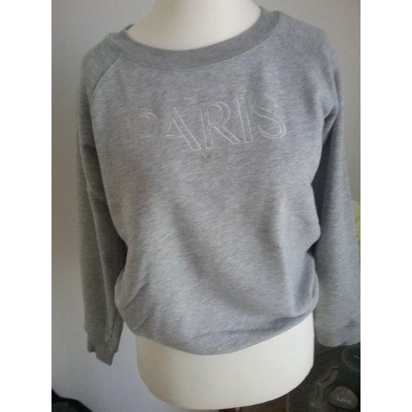 """Grauer Sweater mit """"Paris"""" Stickerei"""