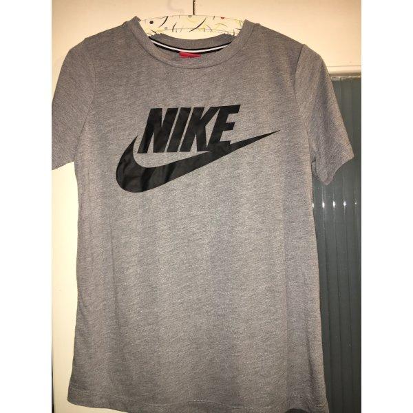 Graues Nike T-shirt, Größe S