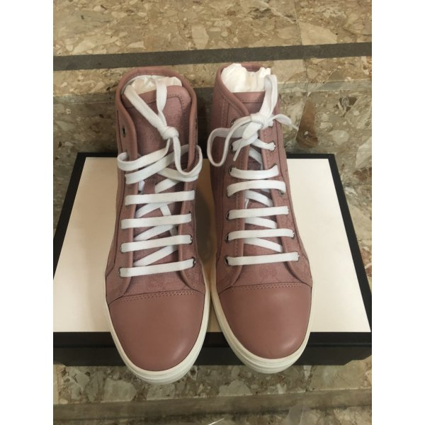 Gucci ~ Sneakers ~ rose ~ top