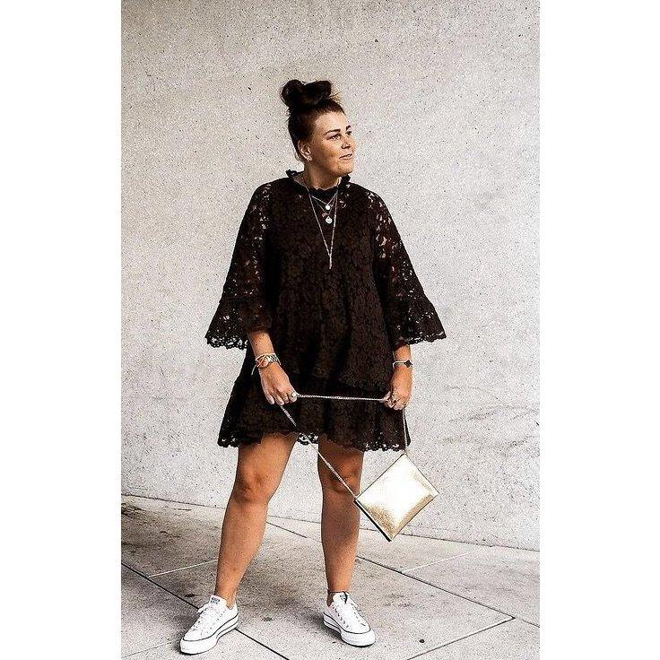 H&M Volant Spitzen Kleid lila Aubergine XL 42 44 Oversize Sommerkleid Instagram Tunika