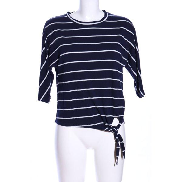 Hailys Ringelshirt blau-weiß Streifenmuster Casual-Look
