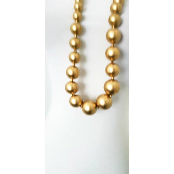 Halskette mit goldene Perlen