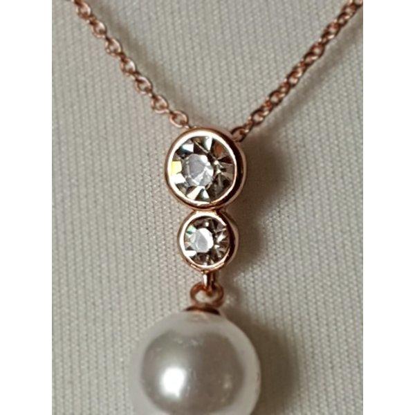 Halsketten mit Swarovski Kristallen und Perle