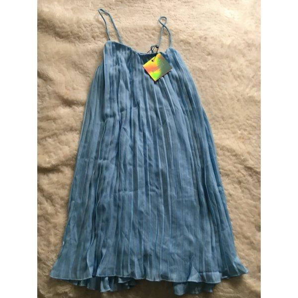 Hellblaue Sommerkleid von Missguided