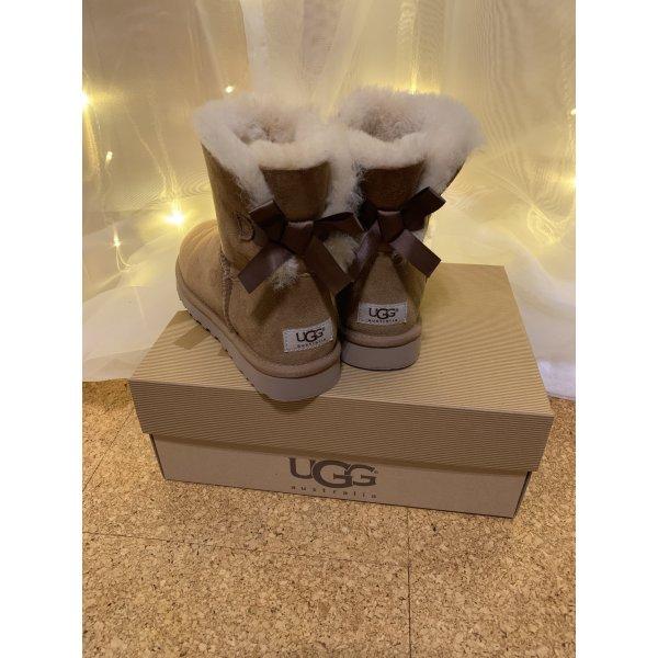 Hellbraune Mini Bailey UGG Boots