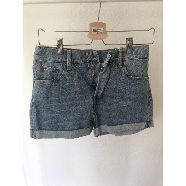 Highwaisted Shorts von Riverisland