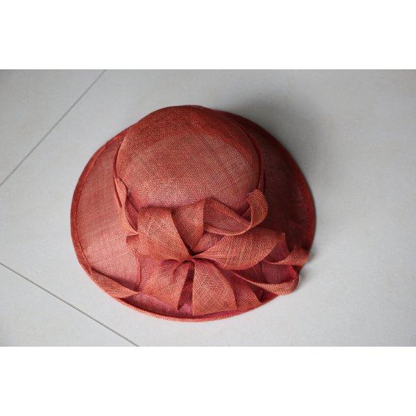 Cappello di paglia arancione scuro