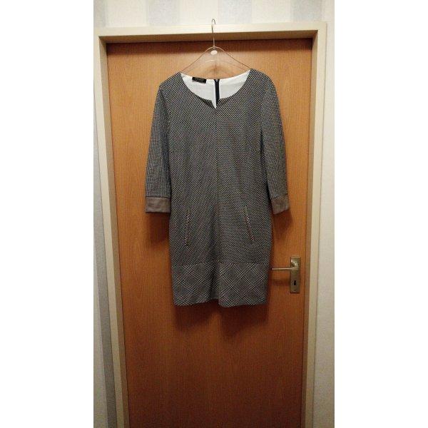 hübsches Kleid von Apanage Gr. 42