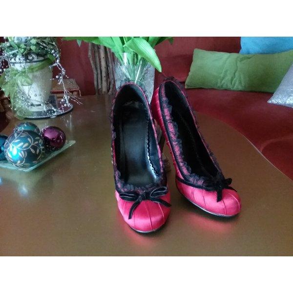 ihr kennt den Song von Andreas Gabalier? Den mit den roten Schuhen? :))))