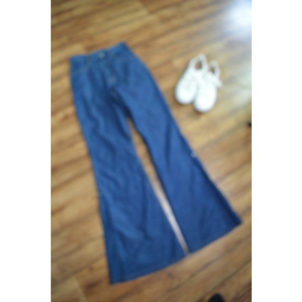 Jeans mit Schlag Gr. 34 von Lemmi dunkelblau