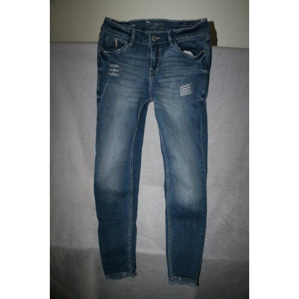 Jeans Used Look mit Fransenabschluss in blau Gr. 28