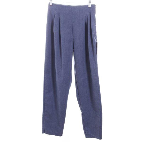Karottenhose blassblau Street-Fashion-Look
