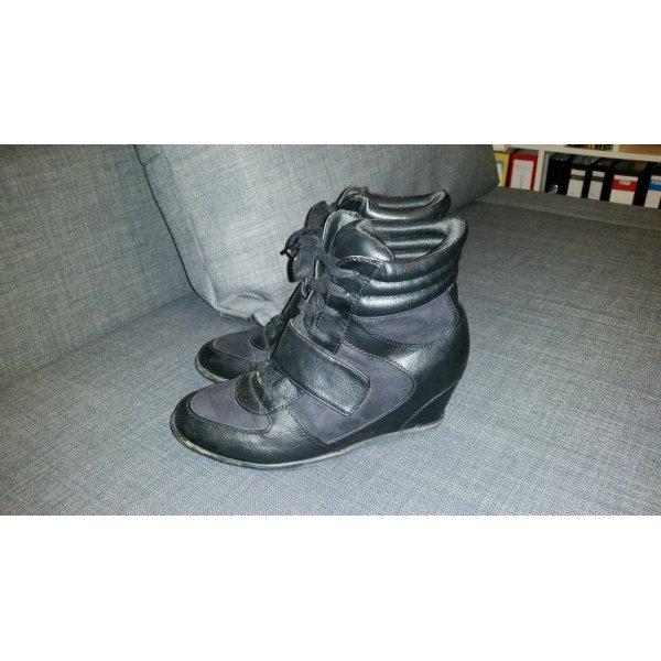 Keilabsatz Sneakers in schwarz