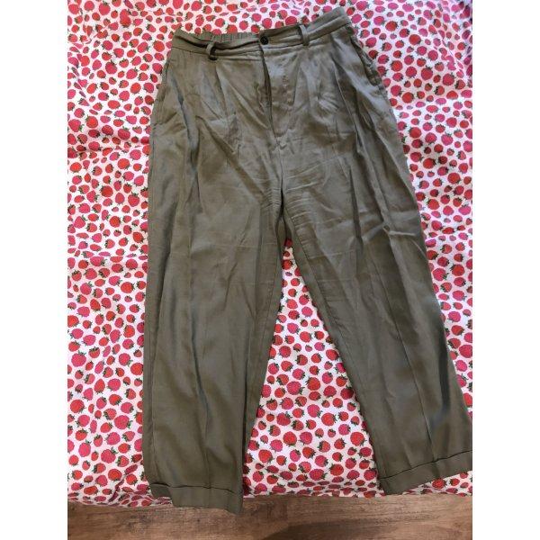 Khaki Stoffhose von Zara mit Bundfalten