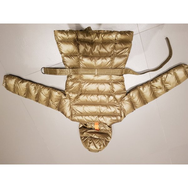 Kjus Daunenjacke mit Kapuze, Größe 38
