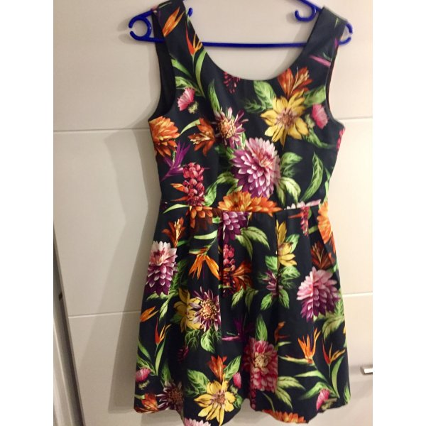 Kleid der Marke Rinascimento in Größe S