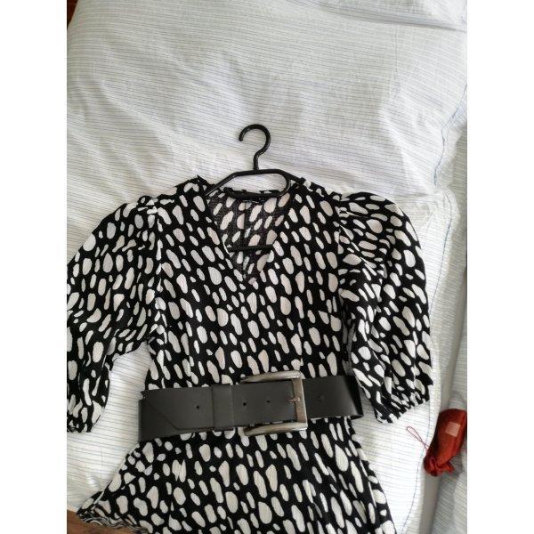 Kleid, einfach schön in schwarz weiß mit Puffärmeln+++OHNE GÜRTEL+++