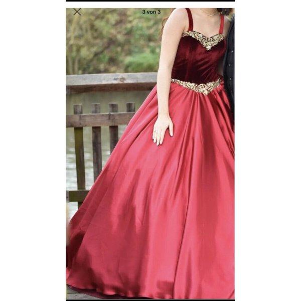 Kleid in Rot!