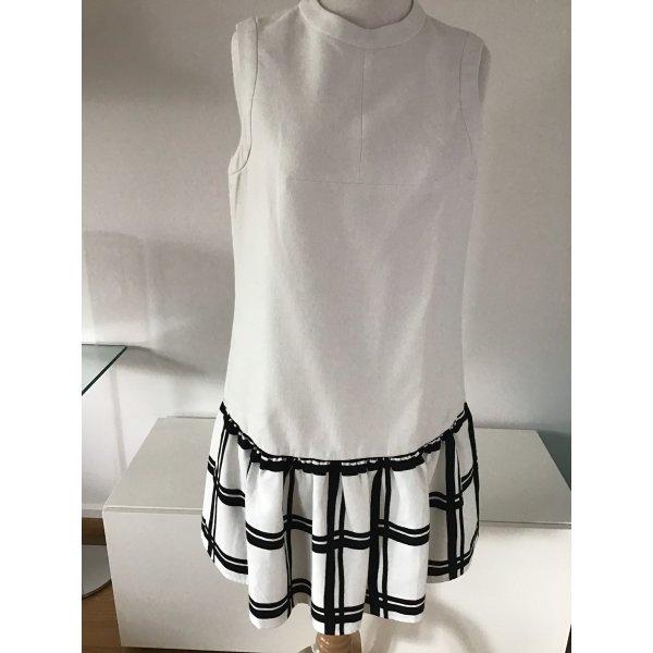 Kleid mit Faltenrock
