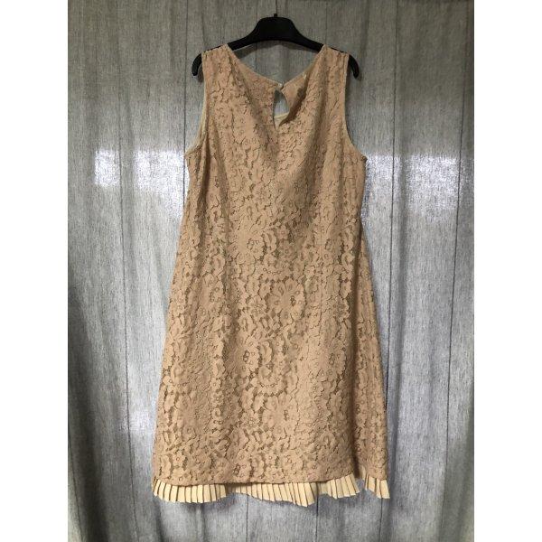 Kleid mit Spitze / Abendkleid
