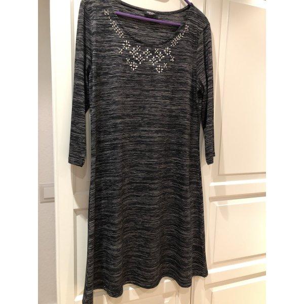 Kleid von Conleys