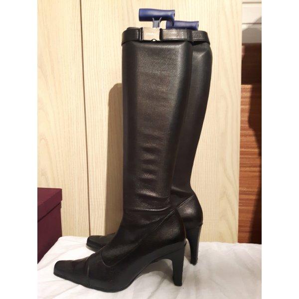 Kniehohe Stiefel von Chanel