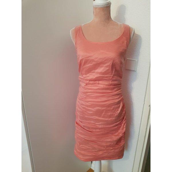lachsfarbendes Kleid von Marie Noir