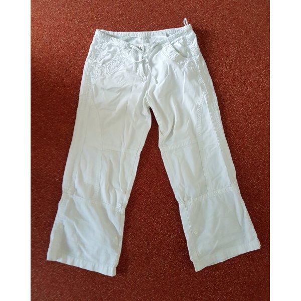 leichte weiße Sommerhose in der Länge variabel