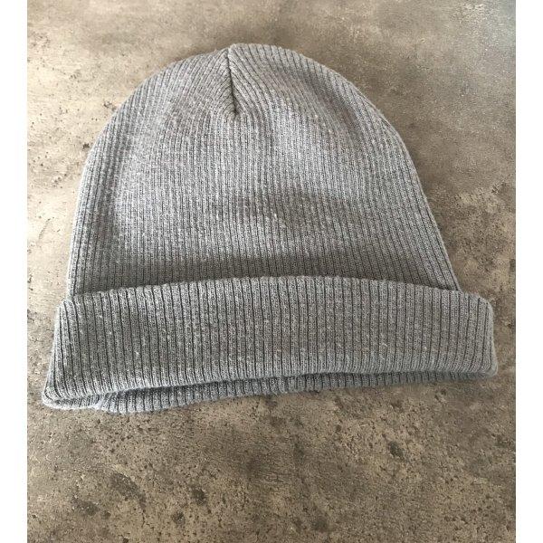 Lockere Mütze